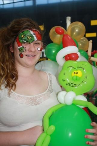 Balloon Benders at Smithfield Shopping Centre for Santa Arrival