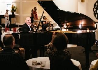 Live Piano Bar