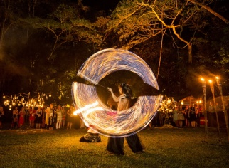 FELIX  (PYROTECHNIQUE - Fire Dance Theatre)