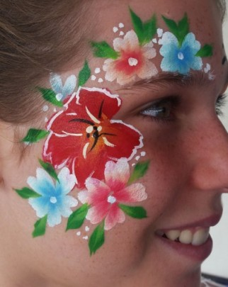 Nikki Facepainting at Babinda Harvest Festival