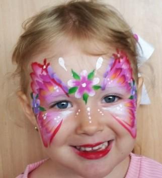 Nikki Face Painting at Holloways Beach Markets