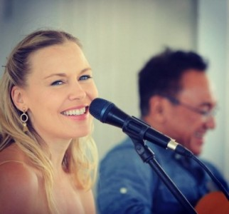 Andrea & Louie LIVE at Brothers Cairns