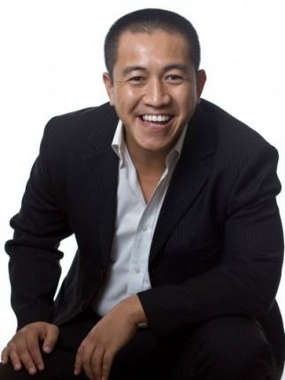 ANH DO - THE HAPPIEST REFUGEE - LIVE!!